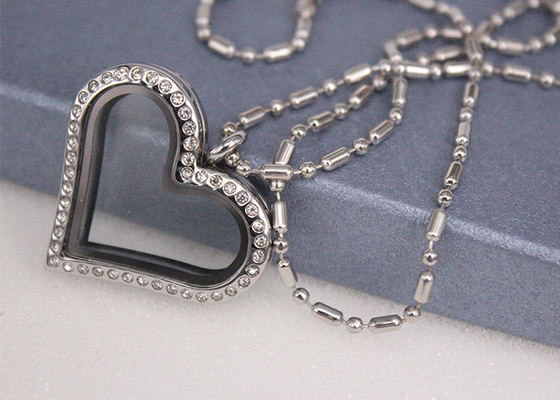 Cina Crystal Diamond Love Heart Shaped Pendant Kalung Disesuaikan Ukuran Fashion Style pemasok