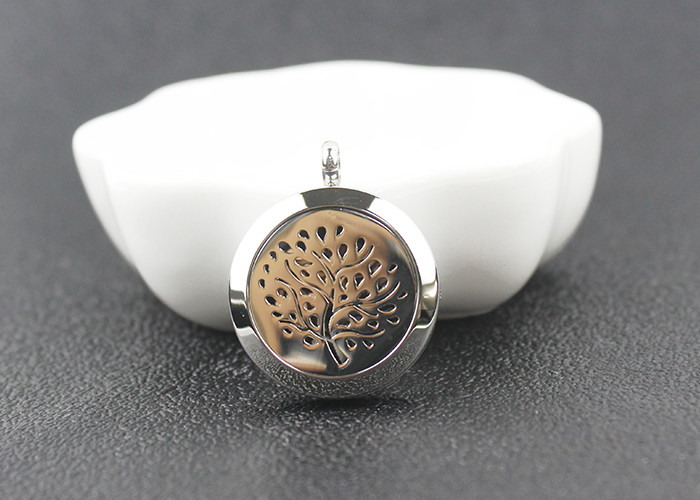 Stainless Steel Essential Oil Jewelry Magnetic Locket Carving Round Aromatherapy Necklace