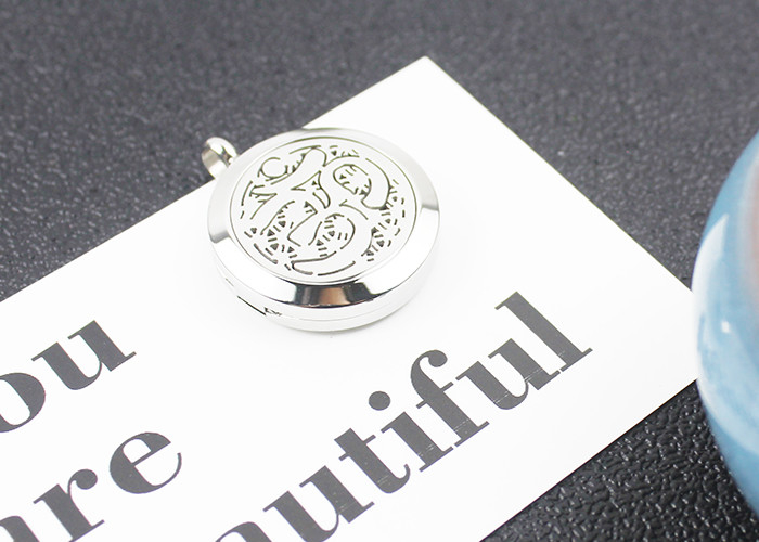 Custom Fashion Essential Oil Jewelry Stainless Steel Aromatherapy Locket Pendant